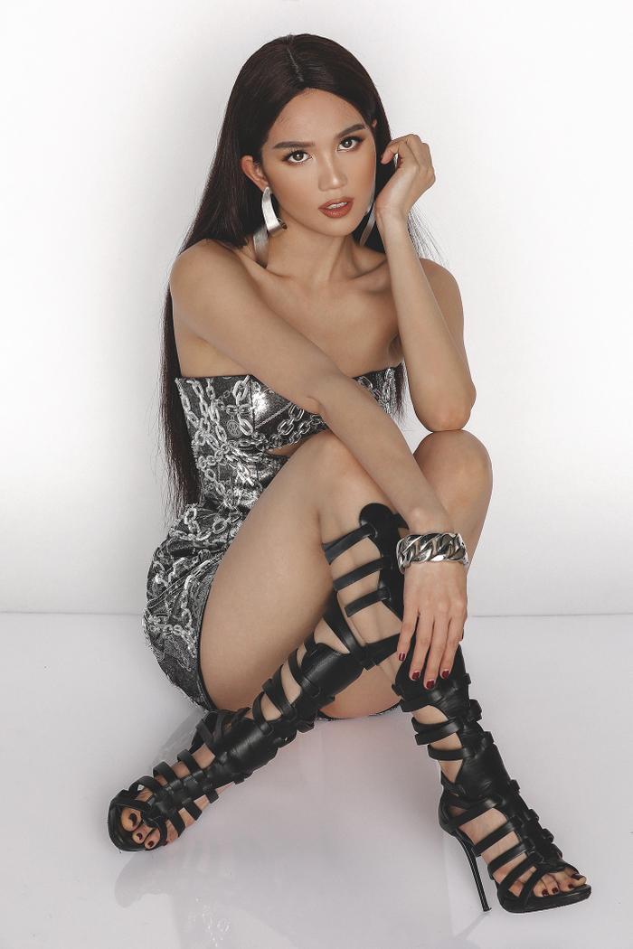 Makeup kiểu Tây, lên đồ sành điệu n lần, Ngọc Trinh thần thái đỉnh cao ảnh 5