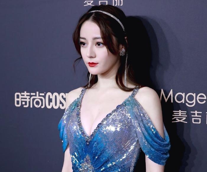 Khoảng khắc rực rỡ nhất của sao Hoa Ngữ năm 2019: Châu Đông Vũ, Dương Tử nổi bật nhờ diễn xuất, Địch Lệ Nhiệt Ba lại khác hoàn toàn ảnh 14