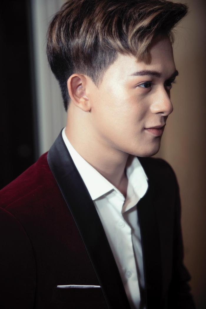 Quang Anh diện vest cực bảnh bao, hứa hẹn năm 2020 bùng nổ với vai trò mới ảnh 5