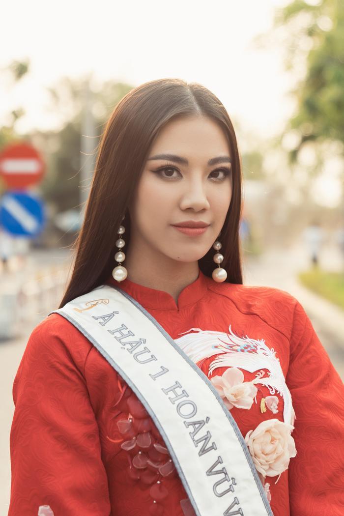 Á hậu Kim Duyên đẹp rạng rỡ, trao học bổng 80 triệu cho học sinh  sinh viên Cần Thơ ảnh 13