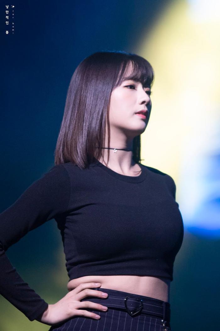 6 nữ Idol sở hữu thân hình vạn người mê khiến Knet tấm tắc khen ngợi ảnh 16