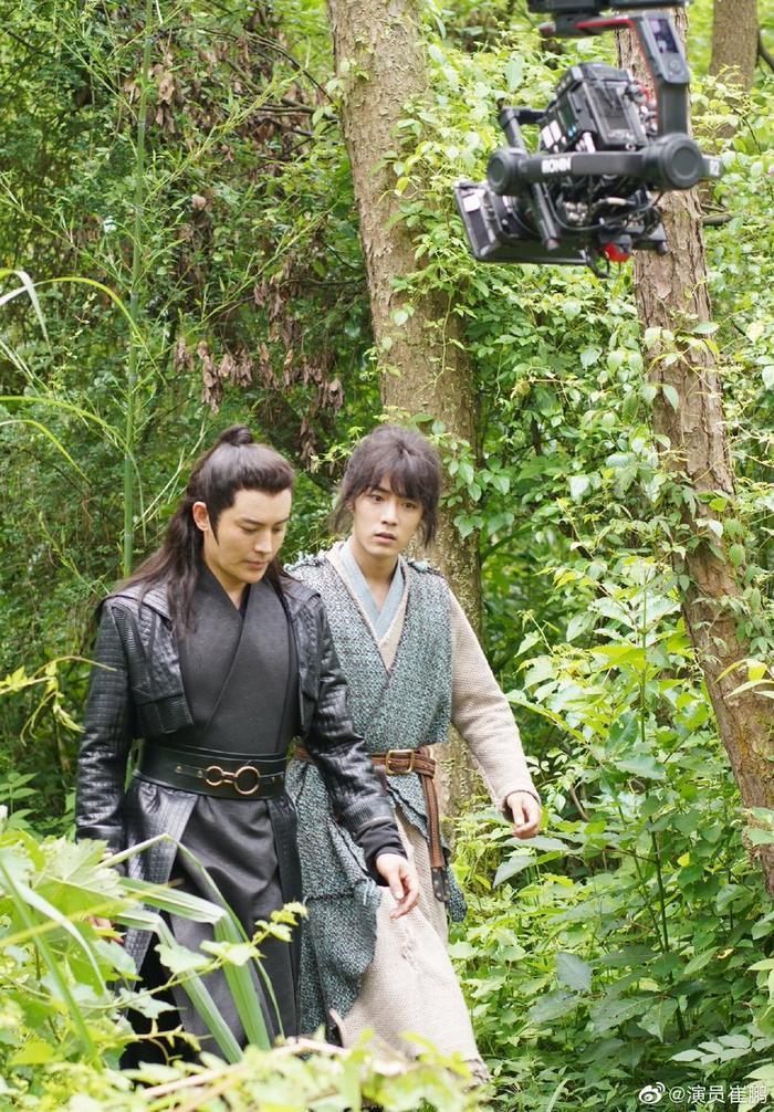 Các tạo hình của Tiêu Chiến trong phim ảnh Hoa ngữ: Khó lòng vượt qua Ngụy Vô Tiện, Lang điện hạ kéo nhan sắc đi xuống ảnh 23