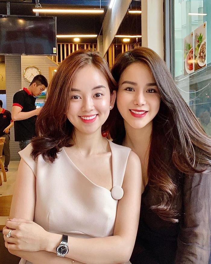 Đọ sắc trong một khung hình, hai chị em Ly Kute và Diệp Lâm Anh khiến dân tình trầm trồ: Xinh đẹp bất phân thắng bại ảnh 1