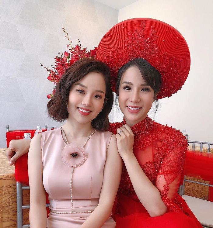 Đọ sắc trong một khung hình, hai chị em Ly Kute và Diệp Lâm Anh khiến dân tình trầm trồ: Xinh đẹp bất phân thắng bại ảnh 0