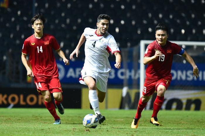 U23 Việt Nam đang nhận ít thẻ phạt hơn UAE và Jordan.