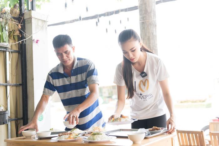 Á hậu Kim Duyên giúp bố mẹ bán cơm, fan trầm trồ ngắm cậu em trai chuẩn mỹ nam châu Á ảnh 5