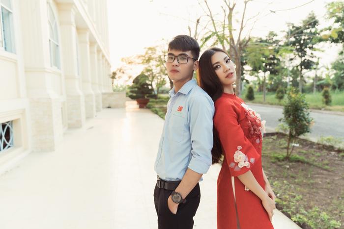 Á hậu Kim Duyên giúp bố mẹ bán cơm, fan trầm trồ ngắm cậu em trai chuẩn mỹ nam châu Á ảnh 7