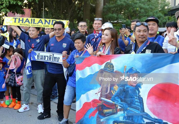 CĐV Thái Lan chế giễu U23 Việt Nam dựng xe buýt ở U23 châu Á 2020.