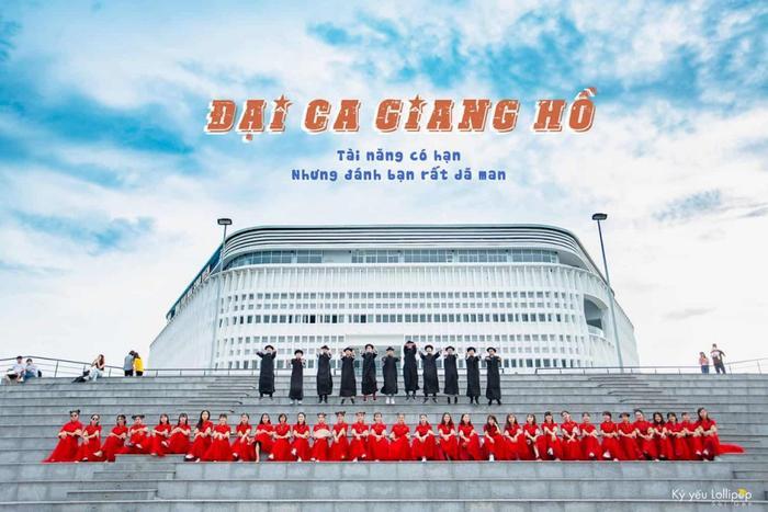 Địa điểm thứ 2 mà các bạn sinh viên ĐH Nông Lâm chọn để thực hiện bộ ảnh kỷ yếu là Nhà văn hóa Sinh viên TP.HCM – Cơ sở Thủ Đức