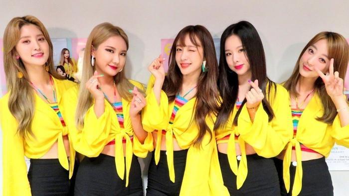 Người hâm mộ đang rất lo lắng cho tương lai của các thành viên còn lại sau khi Hani và Junghwa rời khỏi