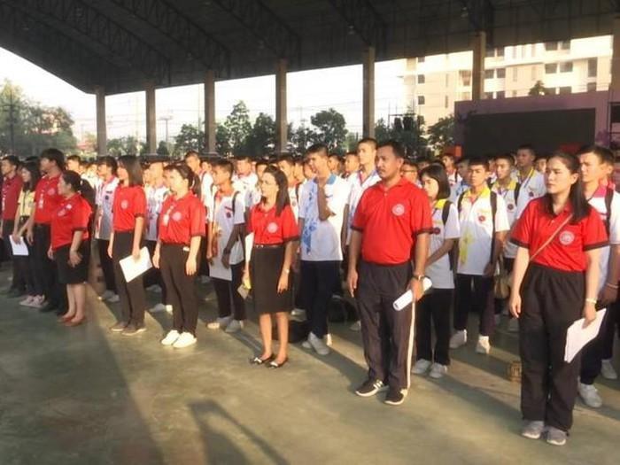 Một trường học ở Thái Lan nhận nhiều chỉ trích sau khi sử dụng decibel đo tiếng hát học sinh.
