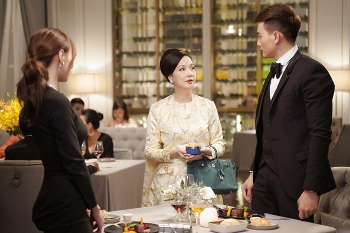 'Gái già lắm chiêu 3': Lan Ngọc liệu có đối lập với 'mẹ chồng' Lê Khanh trong bữa tiệc xa hoa ẩn chứa nhiều toan tính?