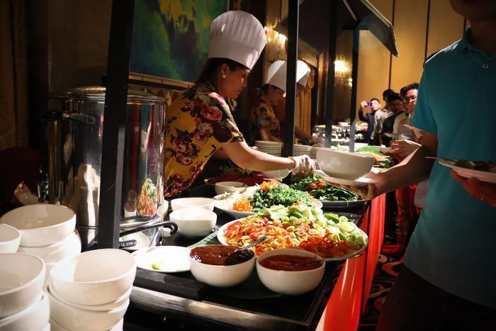 Các gian hàng ẩm thực đậm chất Việt Nam tại sự kiện