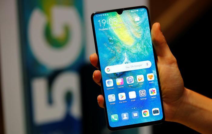 Về mảng phần cứng, Huawei có thể khắc phục nhanh chóng bằng cách tìm kiếm các đối tác mới ngoài Mỹ, trong khi đó, ở mảng phần mềm, không dễ để tìm phương án thay thế cho Android. (Ảnh: Nikkei)