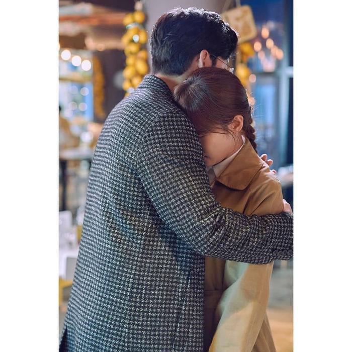 Phim Hạ cánh nơi anh của Huyn Bin vàSon Ye Jin đạt kỷ lục rating mới  Phim củaHa Ji Won chia tay khán giả ảnh 12