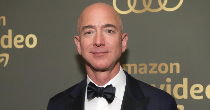 Theo thống kê của Bloomberg Billionaires Index (danh sách xếp hạng các tỷ phú giàu có nhất thế giới), ông chủ Amazon Jeff Bezos hiện đang sở hữu khối tài sản lên đến 116 tỷ USD, và là một trong những người giàu nhất thế giới hiện nay. (Ảnh: Gettyimages | Emma McIntyre)