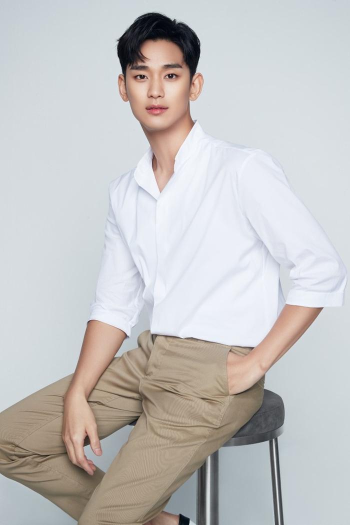 Người hâm mộ chờ đợi tác phẩm tái xuất của Kim Soo Hyun.