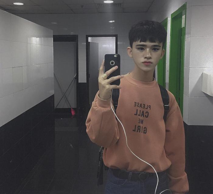 Chàng trai nghiện trang điểm giống Ulzzang Hàn Quốc từng gây sốt cộng đồng mạng bây giờ ra sao? ảnh 0