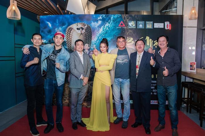 Bí mật đảo Linh Xà: Dàn diễn viên Việt Nam và quốc tế cùng đọ sắc thêm thảm đỏ ảnh 4