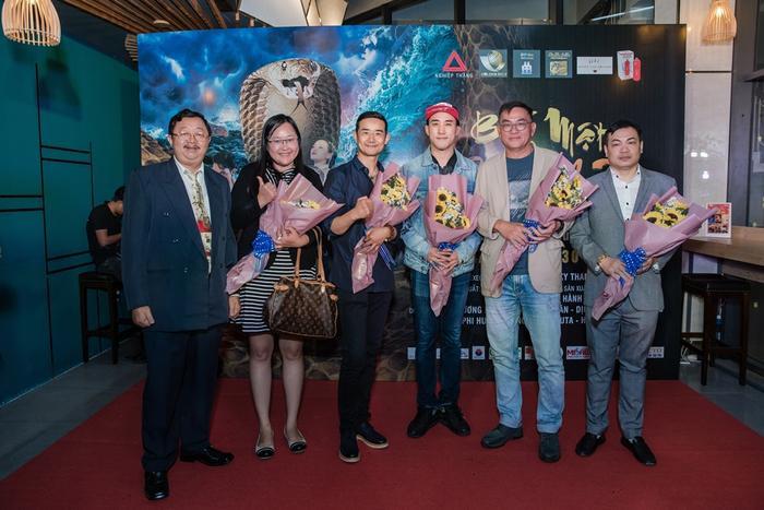 Bí mật đảo Linh Xà: Dàn diễn viên Việt Nam và quốc tế cùng đọ sắc thêm thảm đỏ ảnh 5