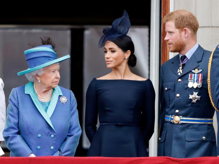 Bố của Meghan Markle chỉ trích vợ chồng Harry làm rẻ rúng Hoàng gia Anh ảnh 0