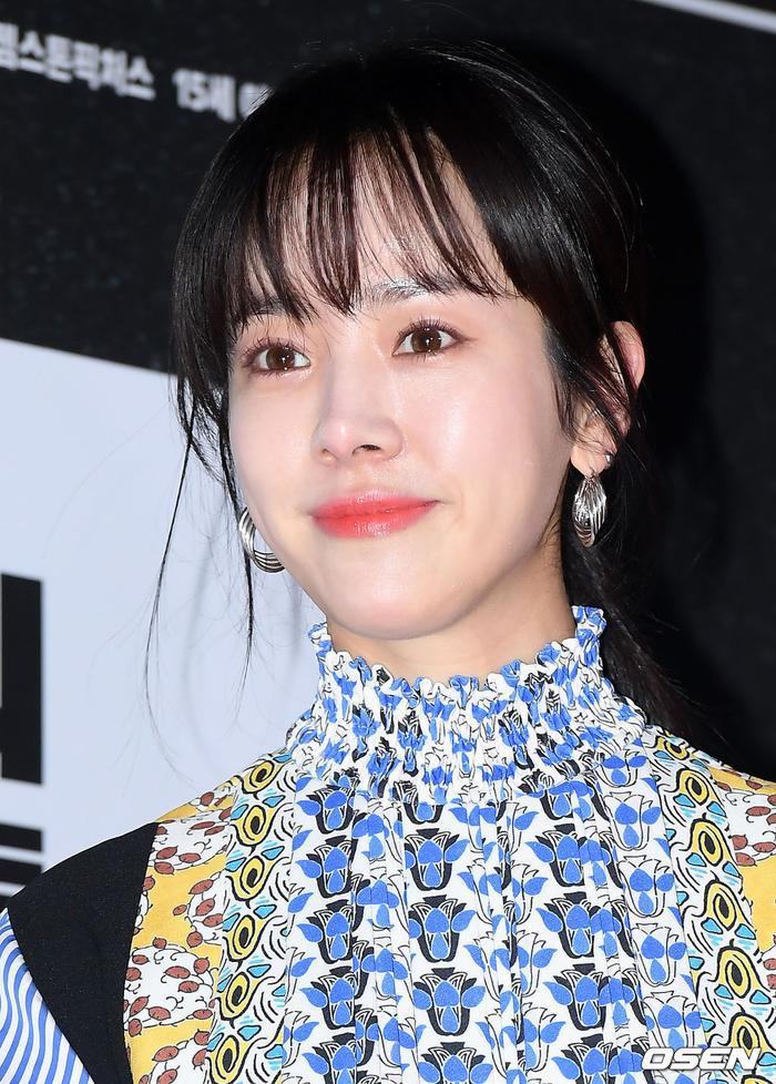 Han Ji Min đụng độ chiếc váy giá 63 triệu với Irene (Red Velvet): Ai tạo nên sự rung cảm? ảnh 6