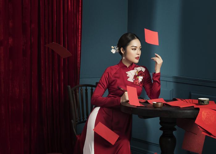 Mẹ con Dương Cẩm Lynh diện áo dài cực xinh trước thềm xuân Canh Tý 2020 ảnh 8