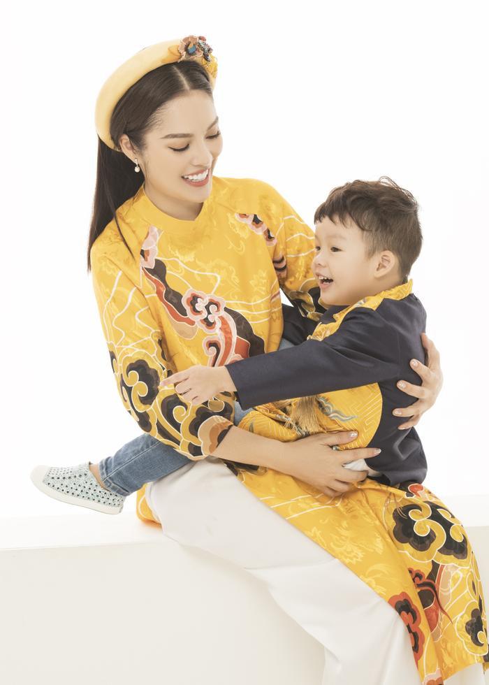 Mẹ con Dương Cẩm Lynh diện áo dài cực xinh trước thềm xuân Canh Tý 2020 ảnh 3