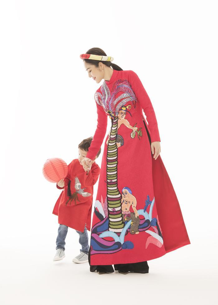 Mẹ con Dương Cẩm Lynh diện áo dài cực xinh trước thềm xuân Canh Tý 2020 ảnh 4
