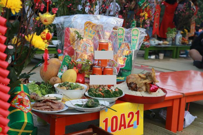 Học sinh 'trường người ta' đón Tết: Dọn nhà, gói bánh, nấu cỗ ngay tại sân trường ảnh 4