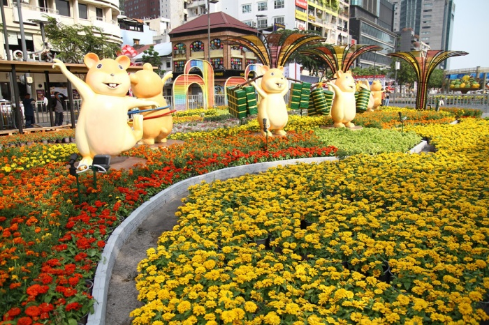 Ngắm đường hoa Nguyễn Huệ mừng xuân Canh Tý 2020 trước giờ mở cửa ảnh 6