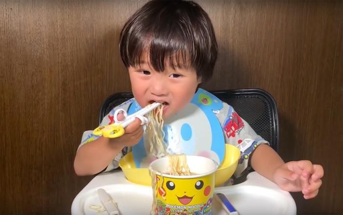 Do toàn bộ video của kênh Shigeru Vlog hiện vẫn chưa hề được đặt quảng cáo, cho nên việc kiếm tiền mặc định theo chương trình làm đối tác với YouTube là bất khả thi. (Ảnh: Quỳnh Trần JP)