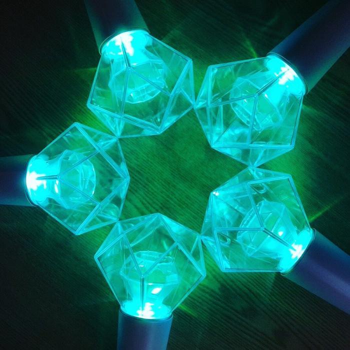 Và màu thực tế lightstick của SHINee hiện tại.