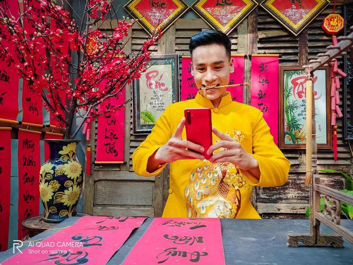 Nam vương Cao Xuân Tài gợi ý phong cách lịch lãm đón Tết ảnh 1