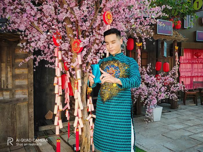 Nam vương Cao Xuân Tài gợi ý phong cách lịch lãm đón Tết ảnh 2