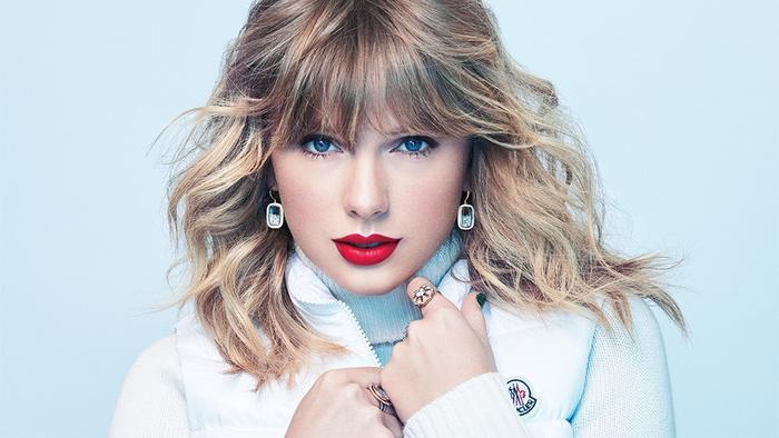 Mới gần đây, Taylor Swift đã có một buổi phỏng vấn thân mật cùng với tạp chí Variety và nữ nghệ sĩ đã chia sẻ về những khó khăn mà cô đã phải đương đầu trong khoảng thời gian vừa qua, đặc biệt là căn bệnh trầm trọng mà mẹ Andrea Swift mắc phải.