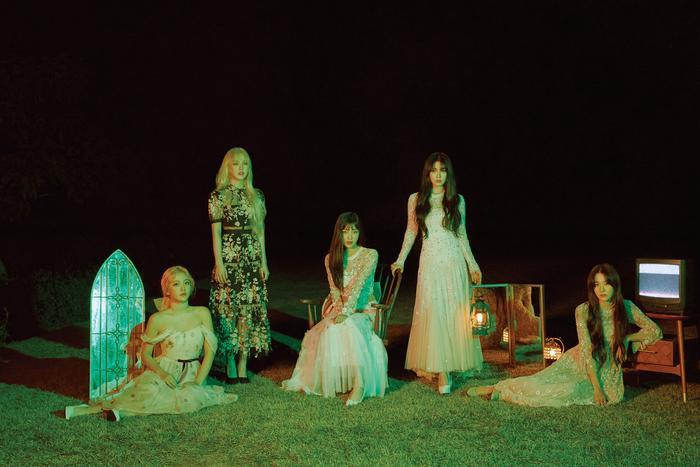 Các cô nàng Red Velvet.