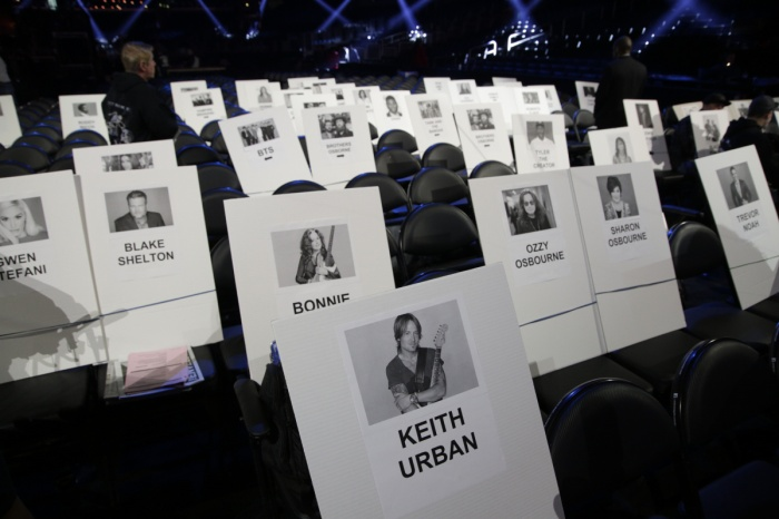 Grammy 2020: Taylor Swift ngồi cạnh BTS và không hề mất hàng ghế đầu như lời đồn ảnh 6