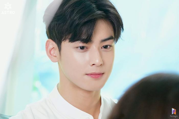 Cha Eun Woo: Say nắng Shin Min Ah mà không sợ Kim Woo Bin ghen, nói về cậu em trai ruột xinh xẻo ảnh 5
