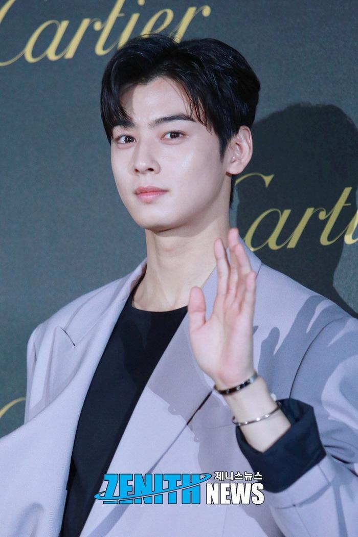 Cha Eun Woo: Say nắng Shin Min Ah mà không sợ Kim Woo Bin ghen, nói về cậu em trai ruột xinh xẻo ảnh 4