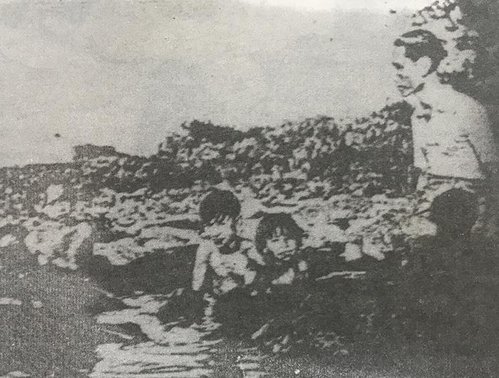 Cựu hoàng Duy Tân và các con ở đảo Réunion. Ảnh tư liệu in trong cuốn Vua Duy Tân.