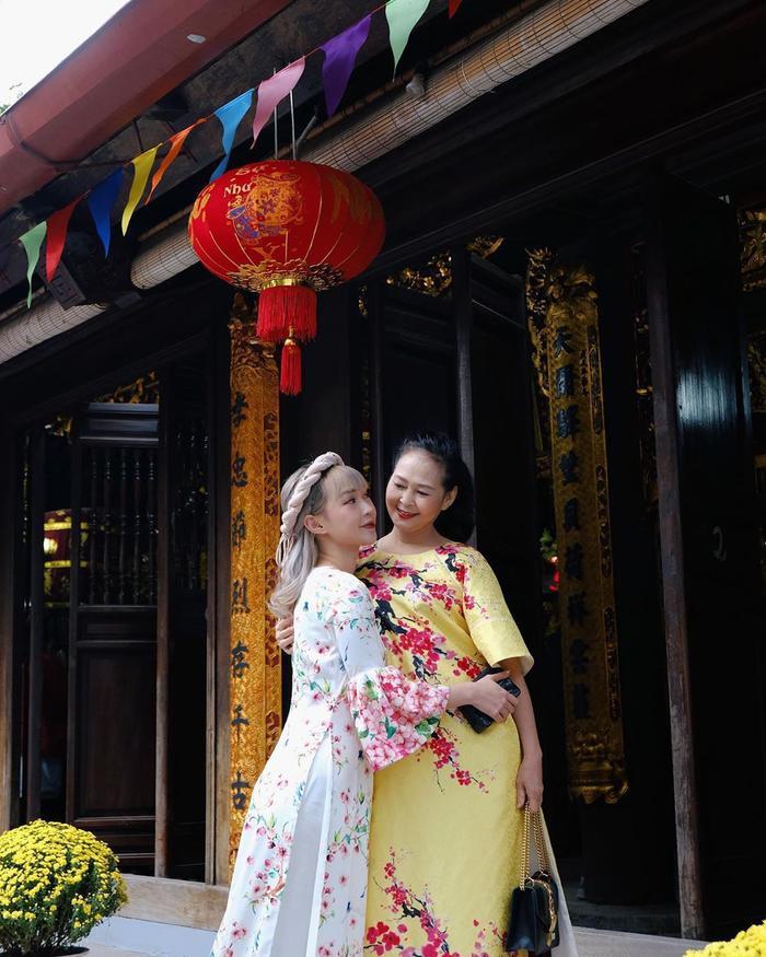 Hotgirl Việt rủ nhau khoe nhan sắc 'cực phẩm' của mẫu thân trong dịp Tết Nguyên đán 2020