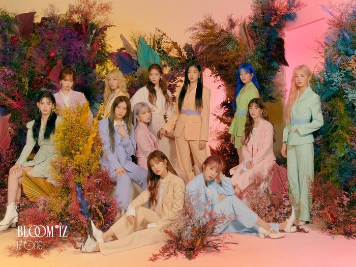 Các fan đoán rằng nhóm sẽ tái xuất với albumBloom*IZcòn đang dang dở.