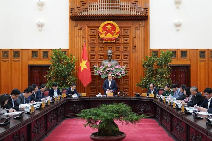 """Thủ tướng: """"Tôi đồng ý là có thể thiệt hại về kinh tế, nhưng tính mạng và sức khỏe người dân vẫn là điều quan trọng nhất …"""" (Ảnh: VGP)"""
