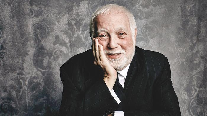 Ken Ehrlich – nhà sản xuất mang đầy tai tiếng của Grammy.