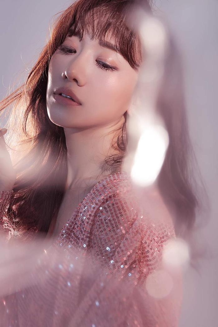 Hari Won đăng ảnh tập hát cùng ca sĩ Hàn Quốc, một màn kết hợp đáng mong đợi chuẩn bị lên sóng? ảnh 4