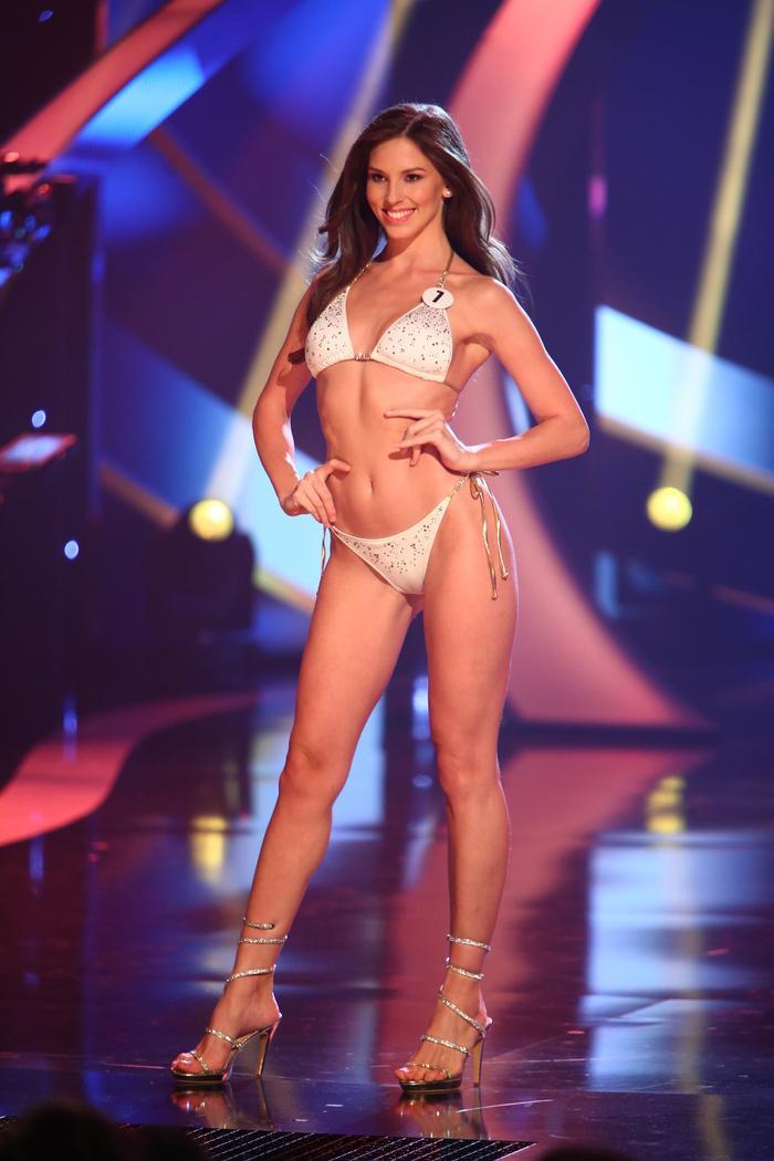 6 mỹ nhân cởi bỏ danh hiệu quốc tế lẫy lừng đến với Miss Universe: Thúy Vân gây tiếc nuối ảnh 9