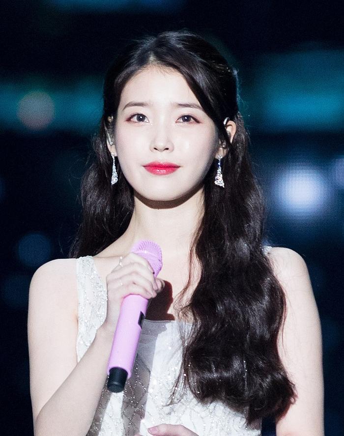 Sau 9 năm, IU tham gia hát nhạc phim Hạ cánh nơi anh của Son Ye Jin và Hyun Bin ảnh 1