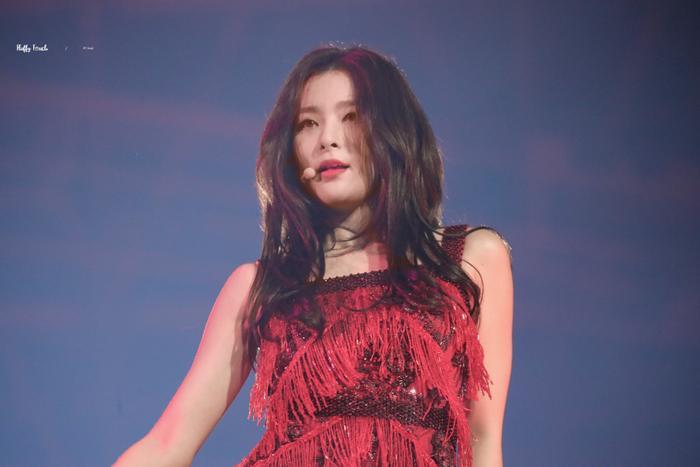 Seulgi (Red Velvet) là nữ thần tượng màTzuyu muốn hợp tác nhất.