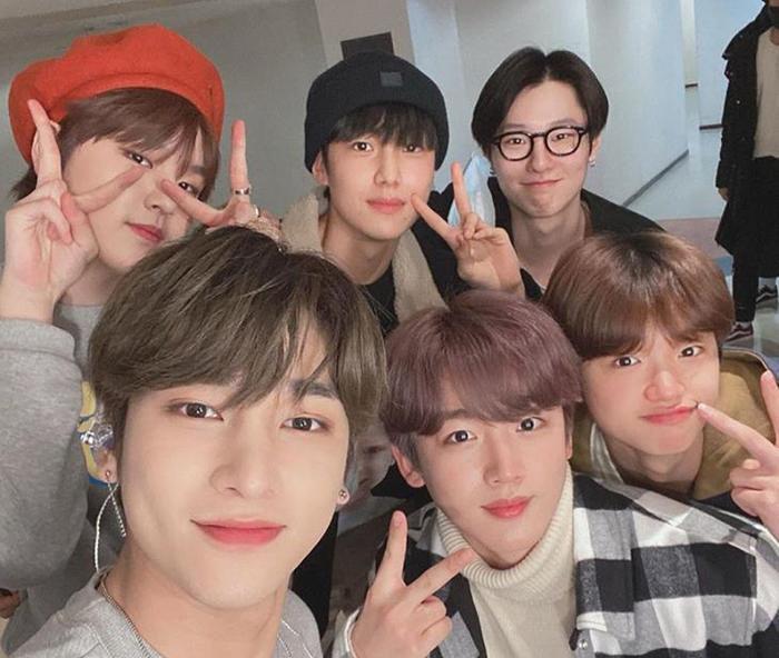 Các thành viên X1 tụ họp gần đây tại fanmeeting của Hangyul và Dohyun